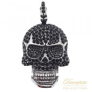 Anhänger Totenkopf mit Zirkoniasteinen in schwarz mit schwarzen Augen